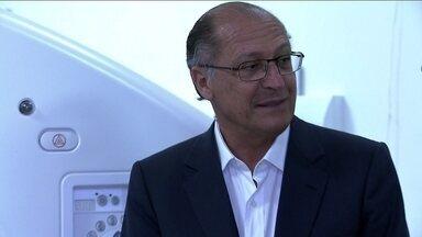 Geraldo Alckmin visitou ambulatório médico de especialidades de Heliópolis - O candidato do PSDB à reeleição encontrou duas mulheres com o mesmo sobrenome dele e ouviu os pedidos de ambas. Ele visitou um ambulatório médico de especialidades de Heliópolis.