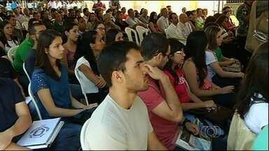 Curso de medicina tem início em Jataí, no sudoeste de Goiás - O município de Jataí é o primeiro do interior de Goiás a ter um curso de medicina no ensino público. Na segunda-feira (11), foi inaugurado o prédio que vai abrigar alunos e professores.