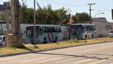 Mulher é morta durante assalto a ônibus - No bairro Jangurussu.