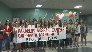 Amazonas conquista vaga na primeira divisão do basquete feminino sub-15 - Meninas terminaram o Brasileiro da modalidade, da segunda divisão, em terceiro.