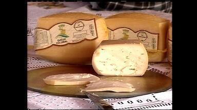 Produtores de queijo artesanal discutem certificação e valorização do alimento na serra - Assista ao vídeo.