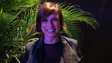 Maria Paula convida o público a participar do Criança Esperança - Humorista participa do Dia da Esperança