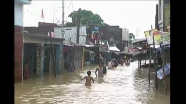 Chuvas deixam 160 mortos na Índia e no Nepal - Os rios que descem das montanhas do Himalaia transbordaram. No Nepal, cem pessoas morreram e outras 130 estão desaparecidas.