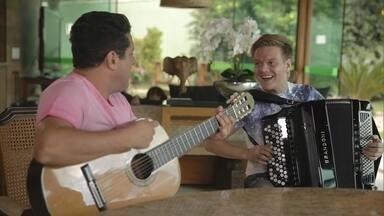 Bruno e Marrone cantam e tocam com Michel Teló - Bruno e Marrone cantam e tocam com Michel Teló
