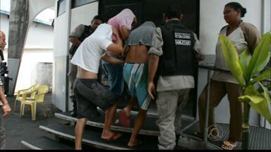 JPB2JP: Três homens foram presos com duas armas em bairro da Capital - Denúncia anônima levou a Polícia até o grupo.