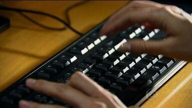 Pesquisa aponta aumento de 20% em tentativas de fraudes com dados pessoais roubados - Segundo pesquisa, há uma tentativa de golpe a cada 14 segundos no país. Mais de 180 mil tentativas de fraudes com dados pessoais roubados foram registrados em Julho..