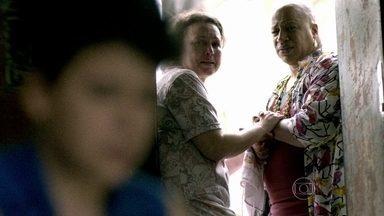 Xana recebe missão inesperada de amiga à beira da morte - Cabeleireiro fica chocado com o pedido de Teresa