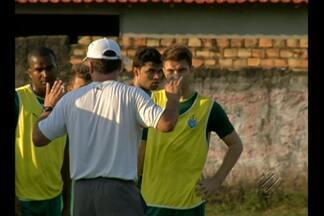 Mazola testa opções para montar Paysandu - Time enfrenta Botafogo-PB, segunda-feira, na Paraíba.