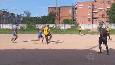 Peladeiros do GE - Equipe do Globo Esporte visita bate-bola no Conjunto Ignez Andreza