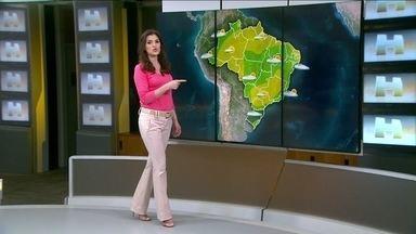 Meteorologia prevê máxima de 24ºC em Porto Alegre (RS) - Em Aracaju, temperatura chega a 29ºC e em Goiânia, 35ºC. No sábado (6), a previsão é de 26ºC no Rio de Janeiro e 32ºC em Fortaleza.