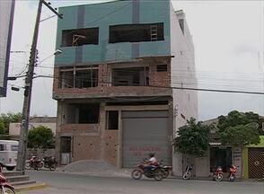 Operários caem de prédio e um morre em Santa Cruz do Capibaribe - Outro foi encaminhado em estado grave ao Hospital da Restauração.