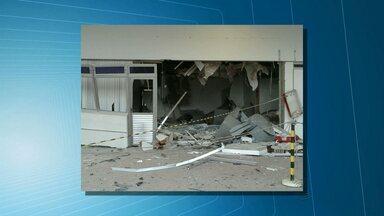 Bandidos se passam por funcionários e explodem caixas dentro de empresa na Paraíba - Dois caixas eletrônicos foram explodidos na indústria que fica em Campina Grande.