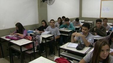 Rio ganha 11 posições no Ideb - O estado do Rio de Janeiro ganhou 11 posições no Índice de Desenvolvimento da Educação Básica e passou do 15º para o 4º lugar. Os dados foram divulgados pelo Ministério da Educação.