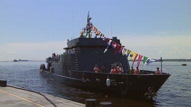 Marinha recebe comitivas estrangeiras no AM para comemoração da Independência do Brasil - Desfile Naval na Ponta Negra abriu a programação.