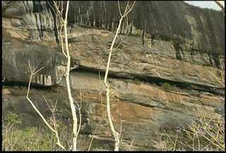 Homem morreu após uma rocha se soltar do paredão e cair nele em Bom Jardim, RJ - Ele era funcionário da pedreira que funcionava no local.