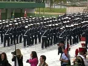 Desfile de 7 de setembro reúne 3 mil pessoas em Florianópolis - Desfile de 7 de setembro reúne 3 mil pessoas em Florianópolis