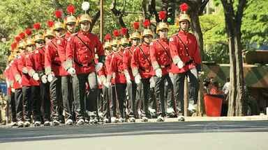 Desfile de 7 de Setembro reúne 5 mil pessoas em Belo Horizonte - Evento celebrou os 192 anos da Independência