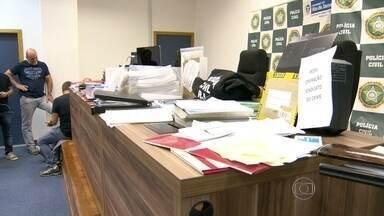 Presidente do sindicato dos comerciários de Niterói é acusada de dar golpe na instituição - Segundo a Polícia Civil, ela desviou milhões de reais. Agentes cumpriram dez mandados de busca e apreensão em diversos endereços. A investigação começou em 2013.