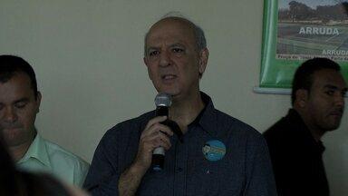 Veja como foi o dia de campanha de José Roberto Arruda nesta terça-feira (9) - O candidato do PR falou para operários, engenheiros e empresários da construção civil de Samambaia. Arruda disse que vai acelerar a aprovação de projetos, licenças e alvarás nas administrações regionais.