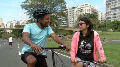 Hoje é dia de..bicicleta - Alexandre Henderson vai explicar por que as pessoas nunca esquecem como pedalar sobre duas rodas, acompanhar o trabalho de couriers e apresentar ao público os Bike Anjos – grupo de jovens que ensina crianças e adultos a andar de bicicleta