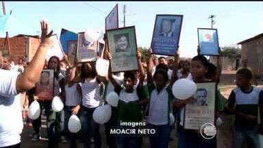 Crianças do Residencial Mário Covas fazem protesto contra violência - Crianças do Residencial Mário Covas fazem protesto contra violência