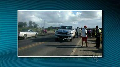 Passageira morre após veículo colidir com caminhonete em Itabaiana, SE - Passageira morre após veículo colidir com caminhonete em Itabaiana, SE.
