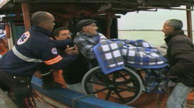 'Ambulanchas' estragam, e barco pesqueiro transporta pacientes em Rio Grande, RS - Ambulanchas não tem previsão de conserto.