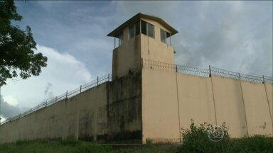 Diretor de presídio recebeu propina para ajudar na fuga de vários presos - Diretor de um dos presídios de Pedrinhas confessou ter liberado presos. Segundo a polícia, eles pagaram R$ 300 mil de suborno para saírem.