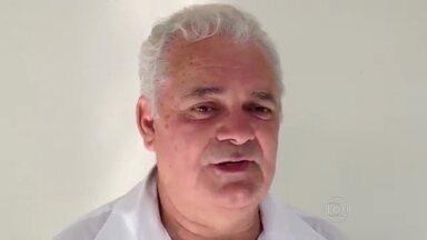 Presidente da Associação de Moradores do morro do Timbau, na Maré, é assassinado - Osmar Paiva Camelo, de 43 anos, foi atingido por sete disparos na noite desta segunda-feira (15). Ele chegou a ser socorrido por moradores mas morreu a caminho do hospital. A Delegacia de Homicídios instaurou inquérito para investigar o crime.
