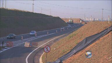 Acesso da Rodovia Dom Pedro para a Zeferino Vaz é liberada nesta terça (16) - A mudança no acesso vale para a pista no sentido Paulínia (SP). São duas faixas na nova alça de acesso.