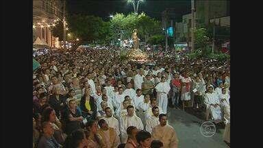 Nossa Senhora das Dores é homenageada em Caruaru, no Agreste - Centenas de fiéis acompanharam missa celebrada pelo arcebispo Dom Bernardino Marquió.