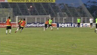Luverdense recebe o Santa Cruz pela Série B - Luverdense recebe o Santa Cruz pela Série B.