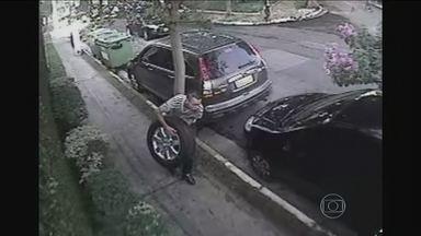 Câmera JH mostra como agem quadrilhas que furtam estepes - Pesquisa mostra que estepe é o item do carro mais visado pelos bandidos. Os criminosos arrombam o porta-malas ou quebram o vidro dos carros. Eles agem em segundos para tirar o estepe.