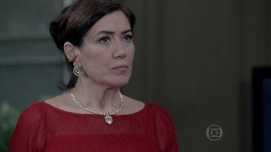 Maria Marta fica furiosa com o sumiço de José Alfredo - Cláudio fica preocupado com o a reação dos convidados