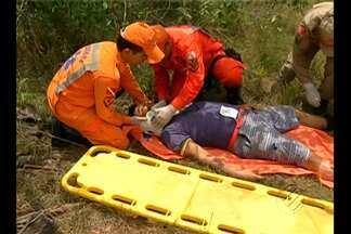 Bombeiros participam de treinamento para resgates em locais de mata fechada - As atividades práticas aconteceram dentro do parque do Utinga, em Belém.