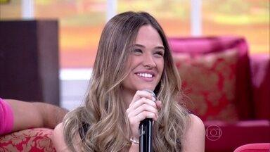 Juliana Paiva relembra pedido de casamento que assistiu nos EUA - Fátima revê cena de Anderson Di Rizzi como sargento