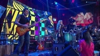 Joelma e Chimbinha tocam sucesso de Luiz Caldas - Dupla se apresentam com a música 'Haja Amor'