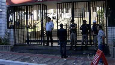 Principais candidatos e autoridades de MG foram cedo às urnas - Veja como foi a votação neste domingo (5).
