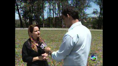 Chefe de cartório eleitoral de Resende, RJ, orienta eleitores que não votaram - Eleitor que não compareceu às urnas tem deve justificar ausência em até 60 dias.