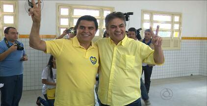 Cássio Cunha Lima votou em Campina Grande - O candidato ao Governo do Estado pelo PSDB votou na Escola Estadual da Prata.