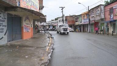 Dois bandidos morrem e três clientes de uma pizzaria são baleados em assalto em PE - Um menino de 8 anos foi um dos feridos no tiroteio.