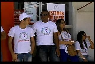 Bancários estão reunidos para decidir se encerra a greve - A Federação Nacional dos Bancos fez outra proposta e ofereceu reajustes de 8,5% nos salários, 9% nos pisos e 12,2% no vale-refeição