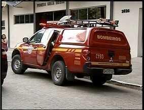 Bombeiros são acionados para controlar fumaça em subsolo de um banco em Valadares - Problema ocorreu devido a um superaquecimento em um gerador de energia elétrica.
