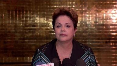 Dilma recebe coordenadores da campanha para reuniões fechadas no Palácio da Alvorada - A candidata Dilma Rousseff pretende se reunir com governadores e senadores de partidos aliados. Quer o apoio dos que foram eleitos para melhorar a votação em estados onde não obteve o resultado esperado, como em São Paulo.