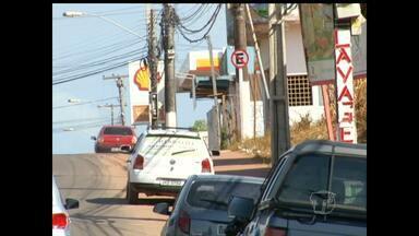 Trecho da Avenida Sérgio Henn passa a ter estacionamento proibido - Reordenamento é recomendação do Ministério Público. Travessa Silvino Pinto e Avenida Barão do Rio Branco são mão única.