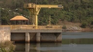 Saneago diz que não é possível cumprir prazo para restabelecer fornecimento de água em GO - Moradores relatam que as falhas no abastecimento de água em Goiânia são frequentes.