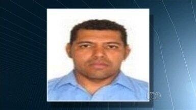 PF prende homem suspeito de envolvimento com tráfico internacional de drogas em Goiás - Detido estava escondido em uma casa dentro de condomínio fechado em Goiânia. Quadrilha era investigada pela polícia desde 2012.