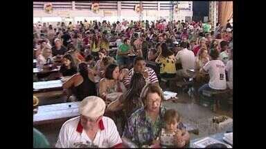 Festa da Polenta, no Sul do ES, tem música, dança e almoço italiano - A festa recomeça na quarta-feira e tem programação até o próximo domingo.