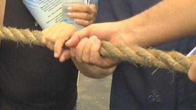 Procissão do Círio de Nazaré reúne 30 mil pessoas em Manaus - 400 metros de corda foram sustentados por fiéis durante caminhada.Diversas missas festivas serão celebradas ao longo do dia.