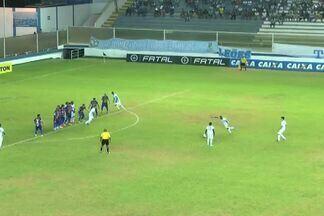 Saaalva, Ricardo após cobrança de falta do Macaé aos 10 minutos! - Em cobrança de falta do Macaé, goleiro do Fortaleza salva o gol.